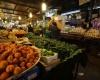 الحكومة الأردنية تتخبط في غياب حلول للأزمة الاقتصادية