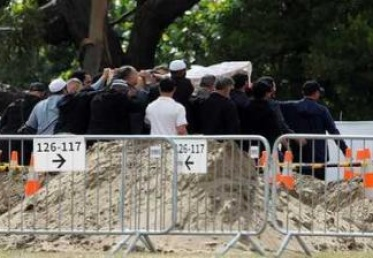 بدء تشييع ضحايا مجزرة المسجدين في نيوزيلندا