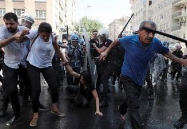 منظمة دولية: عزل رؤساء البلديات الأكراد بتركيا انتهاك صارخ