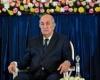 """الجزائر تمنع تبادل """"الهدايا"""" بين المسؤولين"""